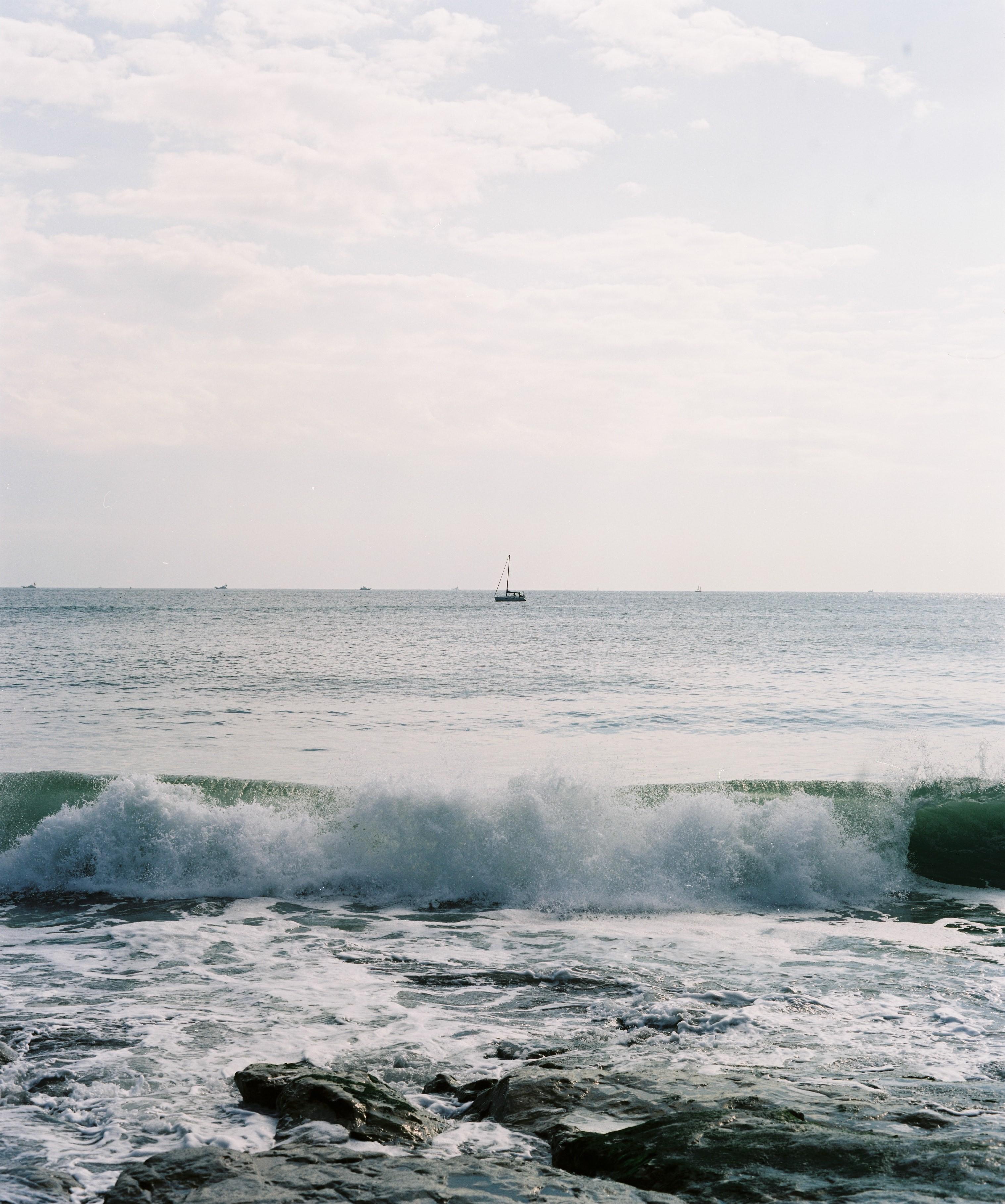 湘南海岸の波