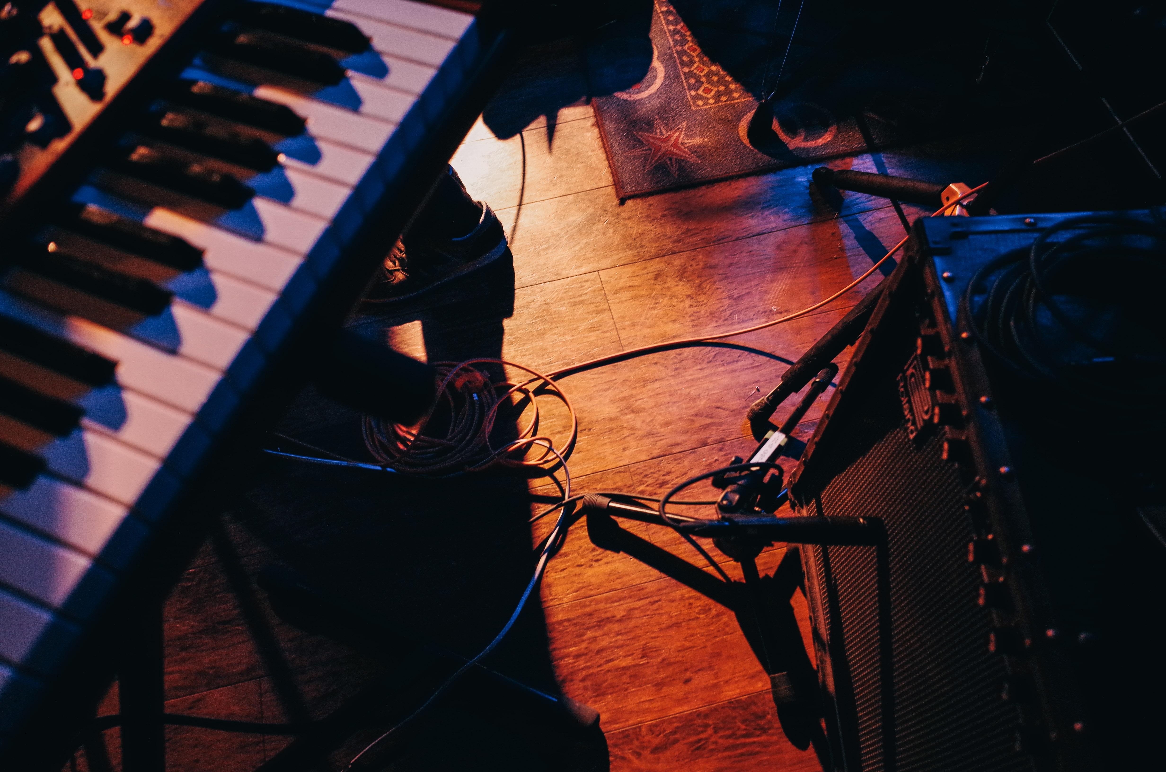 ライブハウスの床
